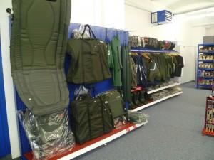 Fischen-Ausrüstung, Bekleidung und Zubehör - Angelgeschäft Bruck